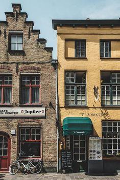 Découvrir Bruges en un week-end, city guide et conseils Jan Van Eyck, Michelangelo, Week End, Facade, Multi Story Building, The Incredibles, Paris, Architecture, World