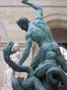 Hercules and the Lernaean Hydra by François Joseph Bosio (1824).