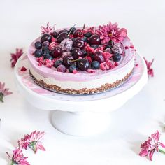 It was my birthday last week so I thought I would indulge and attempt to make a raw cheesecake.  This one was once again inspired by my fav -@mynewroots. It was so complex and intensely satisfying - if you haven't tried it I would 100 times recommend that you make it now. 🍰  🌸  🌺  #raw #cheesecake #rawcheesecake #cashews #raspberries #pink #birthday #cake #flowers #summer