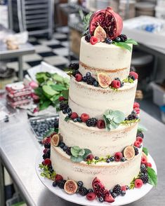 Trendy And Gorgeous Wedding Cake For Your Wedding Fantasy 2020; Wedding Cakes; Floral Wedding Cakes; Floral Cakes; Romantic Cakes; Fondant Wedding Cake; Cheese Wedding Cake; Nude Wedding Cake; Buttercream Wedding Cake;#weddingcake #floralweddingcake #cake #weddingart #fondantcake #cheesecake #nudecake #buttercreamcake Fondant Wedding Cakes, Floral Wedding Cakes, Floral Cake, Fondant Cakes, How To Make Cheesecake, Cake Shapes, Types Of Cakes, Dream Cake, Wedding Art