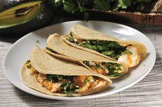 Tacos de huevo con salsa | Cocina y Comparte | @Recetas. Un @desayuno muy mexicano que se prepara en un momentito.