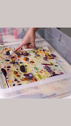 Art Discover Easy Marbling by Josie Lewis - Malerei Tipps - Art For Kids Crafts For Kids Arts And Crafts Art Videos For Kids Middle School Art Art School Art Lessons Elementary Process Art Preschool Art Paper Art, Paper Crafts, Crafts For Kids, Arts And Crafts, Art Classroom, Projects For Kids, Summer Art Projects, Recycled Art Projects, Craft Projects