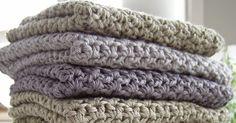 Over de sidste uger har jeg udgivet flere indlæg og opskrifter med karklude i forskellige mønstre. I dette indlæg har jeg samlet dem alle... Knitted Fabric, Knit Crochet, Merino Wool Blanket, Summer Nails, Crochet Patterns, Knitting, Link, Planter, Handmade