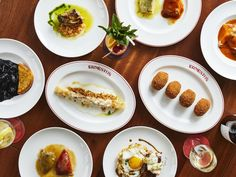 The Hottest Restaurants in Manhattan Right Now, March 2020 Manhattan Restaurants, York Restaurants, Restaurant New York, Chinese Restaurant, Food Spot, Order Food, Thai Recipes, Outdoor Dining, New York City