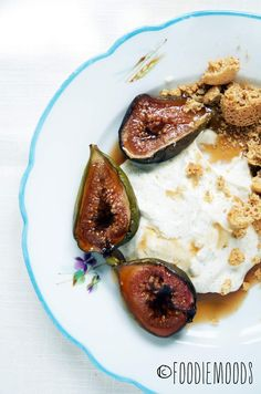 """""""drunk"""" figs with sweet labneh! Blog translates in any language!"""