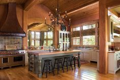 Vintage-country kitchen, The River Ranch (Nevada)