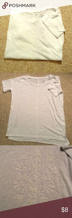 Old navy Aztec tee White boyfriend fit tee with off white Aztec print on front! Old Navy Tops Tees - Short Sleeve