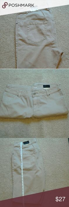 "Bermuda shorts Lane Bryant Bermuda Shorts size 18 tan color  24"" length 98%cotton, 2% spandex Discount Bundle 25% Lane Bryant Shorts Bermudas"