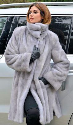 Новый 2017 сапфир Королевский Сага норковая шуба капюшон класс соболь лиса куртка пончо