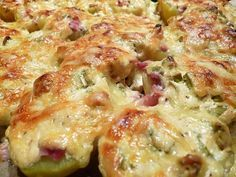 Papas al horno servidas - Essen und Trinken - Patatas Grilling Recipes, Cooking Recipes, Healthy Recipes, Great Recipes, Favorite Recipes, Pampered Chef, Party Snacks, Finger Foods, Good Food