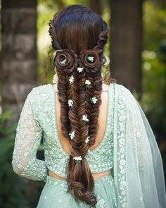 92 Inspirational Cute Hairstyles for Long Hair In 2020 - Beauty Ideas Indian Bridal Hairstyles, Elegant Hairstyles, Bride Hairstyles, Cute Hairstyles, Mehndi Hairstyles, Engagement Hairstyles, Beautiful Hairstyles, Bridal Braids, Bridal Hairdo