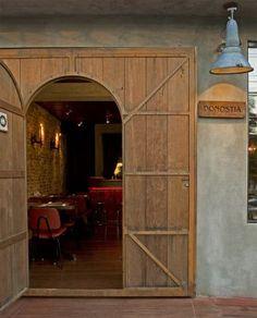 Vitor Penha - industrial chic rústico rustic reuso de design iluminação lightning restaurante restaurant fachada facade