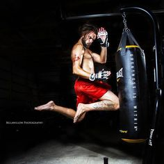 Shot this today in my new #studio at #longacres with Aaron Allen for his #mma promo.  #mixedmartialarts #everlast #greatnessiswithin #area502 #flyingknee #punchingbag #gym #muaythai #hanumanthayarn #kickboxing #bellawillow #photography #mmaoftheday  @everlast #mmaphotography by long_acres