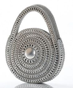 Pop Top Small Spiral Bag Handmade from Recycled Aluminum by Escama Studio---pop tabs and crochet, crazy! Pop Top Crafts, Can Tab Crafts, Pop Top Crochet, Free Crochet, Hand Crochet, Pop Tab Purse, Pop Can Tabs, Circle Purse, Handmade Purses