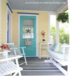 door yellow house with turquoise door - Yahoo Image Search Results . yellow house with turquoise door - Yahoo Image Search Results Yellow House Exterior, Exterior Paint Colors For House, Cottage Exterior, Paint Colors For Home, Paint Colours, Bungalow, Turquoise Door, Aqua Door, Porch Paint