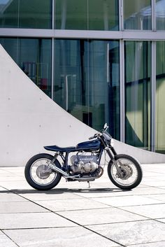 A vintage BMW airhead with a light, tracker-ish vibe? Berlin-based Berham Customs shows how to do it.
