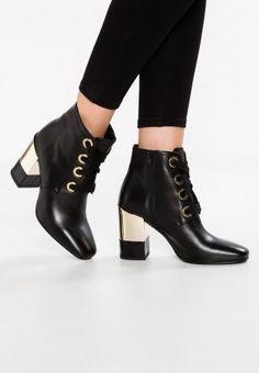 Schnür-Stiefeletten von Minelli, 179,95 €, gesehen bei Zalando