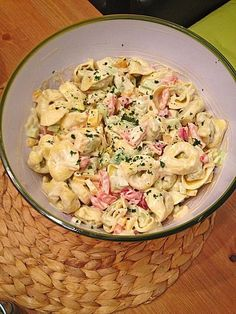 Rezepte Tortellini salad 3 Low Voltage Landscape Lighting Design You spend all that time creating a Chef Salad Recipes, Lunch Recipes, Pasta Recipes, Vegetarian Recipes, Cooking Recipes, Healthy Recipes, Healthy Salads, Tortellini Salad, Vegetable Drinks