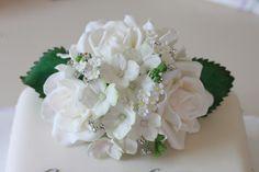 Sugar Flowers - via @Craftsy