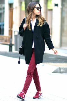 Discover this look wearing American Apparel Coats, Current Elliott Jeans, Ray Ban Sunglasses - BURGUNDY by FadelaMecheri styled for Casual, Everyday in the Winter Classy Casual, Casual Chic Style, Office Fashion Women, Womens Fashion For Work, American Apparel, New Balace, Jeans And Sneakers Outfit, Womens Fashion Sneakers, What To Wear