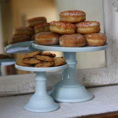 Ceramic Cake Plate Pale Blue Dusky Blue Wedding, Wedding Decorations For Sale, November Wedding, Bakery Cafe, Cake Plates, Dessert Table, Wedding Cakes, Sweet Treats, Ceramics