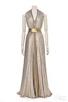 robe du soir Creation date 1936 Material silk Creator Madeleine Vionnet Object Type evening gown Technique lamé Color gold, silver