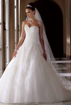 I have always loved a more traditional looking dress that is also so beautiful. Great dress!