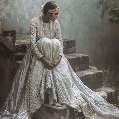Pakistani couture at it's finest  @suffusebysanayasir  #weddingphoto #fashion #desibride #shaadibazaar #wedding #indianwedding