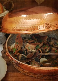 portuguese pork with clams (carne de porco à alentejana na cataplana)
