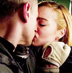 Sara Lance (White Canary) & Leonard Snart (Captain Cold)