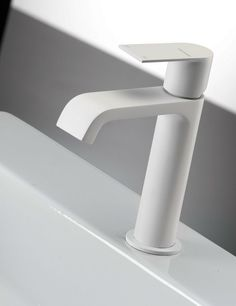 Products we like / Faucet / White / Bathromm / Minimal / at Rubinetterie Fratelli Frattini
