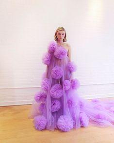 Purple Dress - Source by bughsmi - Fashion 2020, Fashion Show, Fashion Design, Couture Dresses, Fashion Dresses, Tulle Dress, Dress Up, Moderne Outfits, Vogue