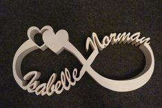 Unendlichzeichen mit Datum/ Herzen oder Namen aus Holz. Dekoration für dein Schreibtisch, Wohnzimmer, Schlafzimmer oder in jedem anderen Raum. Auch eine gute Idee als Geschenk zur Taufe, Jubiläum,...
