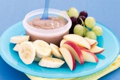 Banana and hazelnut yoghurt fruit dip