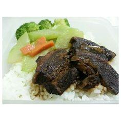 #日本 で言うと#角煮 だな。#アドボ #丼 #adobo #don for my #lunch #packlunch #food #philippines #フィリピン #お弁当 #yummy