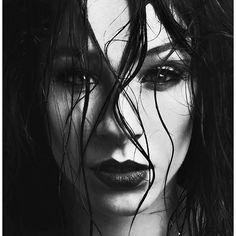 Dark Intensity #mynikonlife #fashioncanberra #beautyphotographer #beatface #fashionphotographer #makeupartist HMUA/Model: Claire Emily Mackey Photography: Kevin Thornhill #blackandwhite