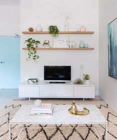 Living Room Reveal Our Kasbah Moroccan Wool Rug making a statement in this living room reveal, seen on Adore Mag!Our Kasbah Moroccan Wool Rug making a statement in this living room reveal, seen on Adore Mag! Room Design, Wall Decor Living Room, Apartment Living Room, Home Decor, Room Remodeling, Living Room Tv Wall, Living Room Reveal, House And Home Magazine, Living Room Designs