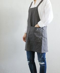Criss-Cross Short Apron/ Charcoal linen Square cross by lifeinaday Criss Cross, Sewing Aprons, Sewing Clothes, It Gets Better, Japanese Apron, Linen Apron, Tie Shorts, Apron Dress, Apron