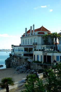 That Cascais Hotel Albatroz. Places In Portugal, Sintra Portugal, Beautiful Places To Visit, Places To See, Places Ive Been, Spas, Resorts, Cities In Europe, Islamic Architecture