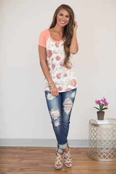 Down These Back Roads Floral Blouse - The Pink Lily My Style Bags, Pink Lily Boutique, Luxury Dress, Dress For Success, Floral Blouse, Summer Wear, Affordable Fashion, Bellisima, Passion For Fashion