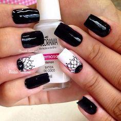 Bohemian black and white nail art with mandalas painted on nails Nail Polish Art, Gel Nail Art, Gel Nails, Nail Nail, Acrylic Nails, Love Nails, Pretty Nails, French Nails Glitter, Nail Deco