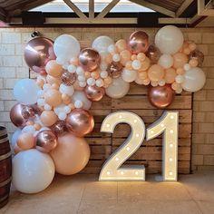 Birthday Balloon Decorations, 21st Party Decorations, 21 Birthday Balloons, 21st Balloons, Party Decoration Ideas, Graduation Balloons, Rose Gold Balloons, Balloon Arch, Ideas Party