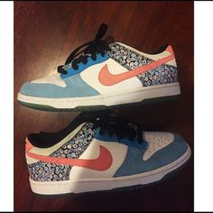 Womens nikes! Brand new Possibly only worn one time! Excellent condition, got them for my bday but never ended up wearing them. I'll accept reasonable offers :) I will lower the price  through p a y p a l Nike Shoes Athletic Shoes