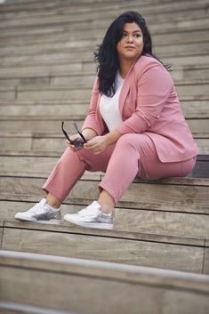 Pink Lady, Mood, Suits For Women, Plus Size Fashion, Curvy, Photography, Outfits, Lifestyle Blog, Yummy Food