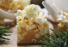 Popcornfudge Homemade Sweets, Homemade Candies, Whats For Lunch, Happy Foods, Christmas Sweets, Piece Of Cakes, Holiday Baking, Sweet Recipes, Food To Make