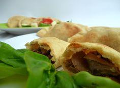comida panameña ---- empanada de harina rellenas. nuestra tipica comida panamena todo preparado unicamente con los ...