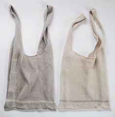 Linen knitted shopping bags by Eccomin. Couture Cuir, Looks Style, My Style, Thrift Store Crafts, Thrift Stores, Linen Bag, Fabric Bags, Basic Style, Knitted Bags
