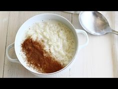 Orez cu lapte, cea mai simplă rețetă | Laura Laurențiu - YouTube Romanian Food, Romanian Recipes, Yule Log, Jamie Oliver, Sugar, Desserts, Martha Stewart, Youtube, Rice