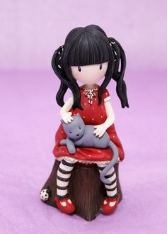 Ruby de Gorjuss. Figurita de resina decorada a mano. 10 cm