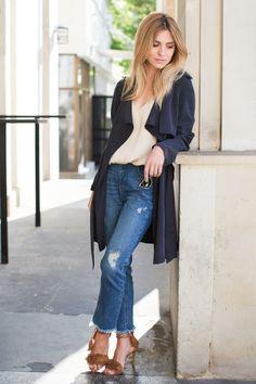 suede shoes / zamszowe buty - Eva Minge on eobuwie.pl jeans / dżinsy z ekologicznej bawełny - KappAhl tencelcoat / płaszcz z tencelu - MLE Collection clutch / torebka - YSL top / bluzka - MOYE  Tencel, zamsz i dżins to materiały, w których mogłabym teraz chodzić bez przerwy. Ten pierwszy, to włókno najnowszej generacji - jego produkcja jest o wiele bardziej przyjanza środowisku niż na przykład produkcjawiskozy. Odprowadza wilgoć lepiej niż bawełna i jest niebywal...